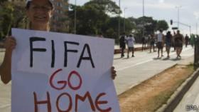 Faltam 100 dias para a Copa!  FIFA se impõe autoritariamente e leva lucro fantástico