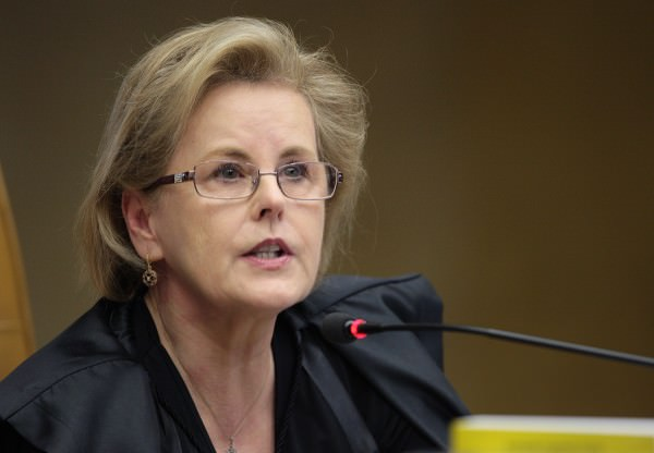 Rosa Weber acata pedido da oposição e decide por CPI exclusiva da Petrobras