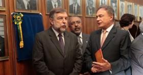 Homenagem a Flávio Arns na Comissão de Educação