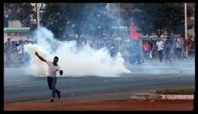 Em Brasília, protesto contra a Copa do superfaturamento