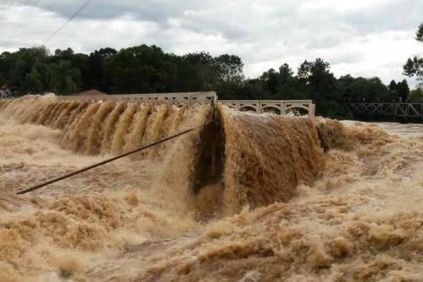 Apelo para que governo Federal decrete emergência no Paraná por causa das chuvas