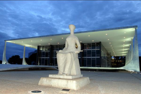 Oposição ingressa no Supremo com ação para impedir manobra fiscal do governo Dilma
