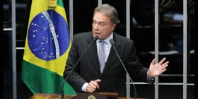 Alvaro Dias cobra cumprimento do programa de creches do governo