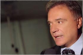 Alvaro Dias cobra do governo combate ao contrabando