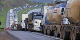 Líder da Oposição pede que governo atenda as reivindicações dos caminhoneiros