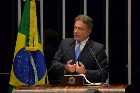 Senador endossa Ação Civil Pública que pede fim dos empréstimos secretos do BNDES