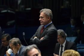 Retrospectiva 2015: Alvaro Dias afirma que recriação da CPMF, como quer o governo, não vai ajudar o País