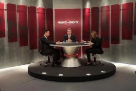 Em programa de TV, senador defende impeachment e redução do número de parlamentares