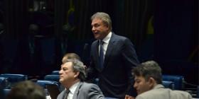 Decisão da PGR de pedir anulação de medida provisória com jabutis do RDC é exaltada no Senado