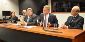 Senador participa de filiação de deputado Mendes Thame ao PV