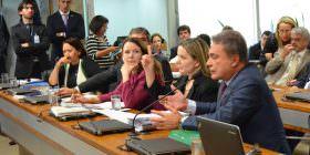 Alvaro Dias rechaça tentativas do PT de alterar cronograma do impeachment diante da divulgação de áudios do PMDB