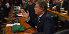 Alvaro Dias critica falta de medidas do governo para estancar crescimento desenfreado da dívida pública