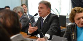 Alvaro Dias rechaça pedido das defensoras de Dilma para anular depoimento do procurador do TCU