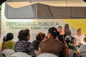 Alvaro Dias defende valorização da carreira dos defensores públicos