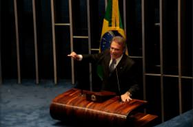 """Melhores do semestre: """"governo Dilma foi um desastre administrativo"""", afirmou Alvaro Dias"""