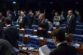 Menos políticos e mais qualidade na representação, propõe Alvaro Dias com diminuição de deputados e senadores