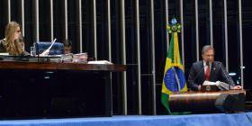 Fraudes em fundos de pensão dos servidores precisam ser combatidas com rigor, afirma Alvaro Dias
