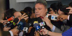 Alvaro Dias vota pelo impeachment, mas lamenta que Senado tenha mantido direitos de Dilma