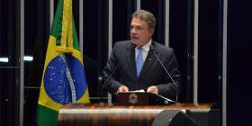 Alvaro Dias repudia tentativa da Câmara de aprovar anistia a caixa dois na calada da noite