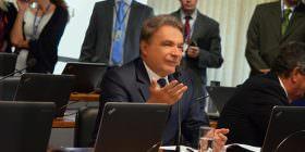 Alvaro Dias pede urgência na nomeação de novo relator para a PEC do foro privilegiado na CCJ