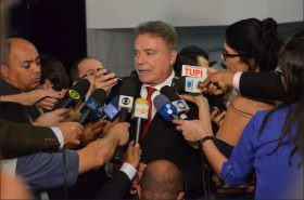 PEC de Alvaro Dias impede réu assumir Presidência, e se já estivesse aprovada, Supremo não precisaria julgar ação