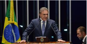 Alvaro Dias repudia decisão judicial de quebrar sigilo da jornalista Andreza Matais
