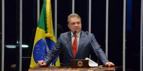 STF não precisaria julgar impedimento de réu na linha sucessória se PEC de Alvaro Dias já tivesse sido aprovada