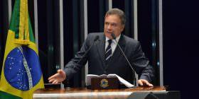 Alvaro Dias lamenta falta de quorum para votar fim do foro, e pede maior mobilização da população
