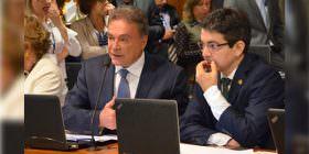 Comissão aprova PEC de Alvaro Dias que acaba com o foro privilegiado, e projeto vai ao Plenário