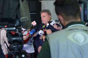 Alvaro Dias se solidariza com jornalista condenado por apontar irregularidades no TCE do Paraná