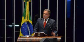 Alvaro Dias exalta as manifestações por todo o Brasil, e diz que o Congresso precisa entender o recado das ruas
