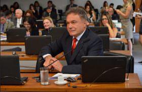 Projeto de Alvaro Dias protege o trabalhador e impede cobrança de custas judiciais com recursos do FGTS