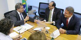 Embaixador do Paraguai agradece empenho de Alvaro Dias e Sarney Filho para agilizar construção da segunda ponte de Foz