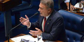 """""""Voto em lista fechada é um expediente malandro"""", afirma Alvaro Dias"""