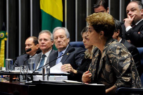 Alvaro Dias cobra definição sobre mandado de segurança para derrubar decisão que manteve direitos de Dilma