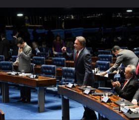 Alvaro Dias faz apelo para que haja prioridade na votação da PEC do fim do foro privilegiado