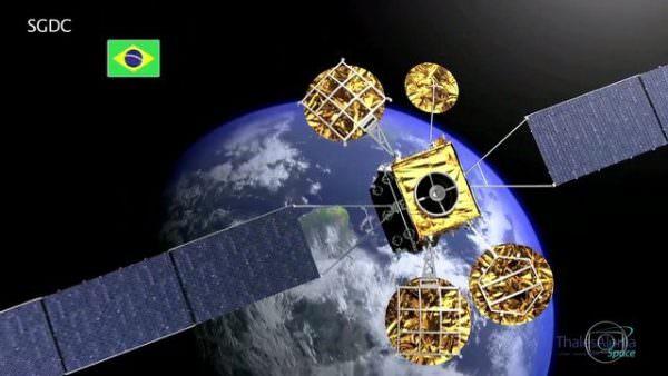Em meio à crise e ao endividamento crescente nas contas públicas, Brasil lança satélite mais caro do mundo